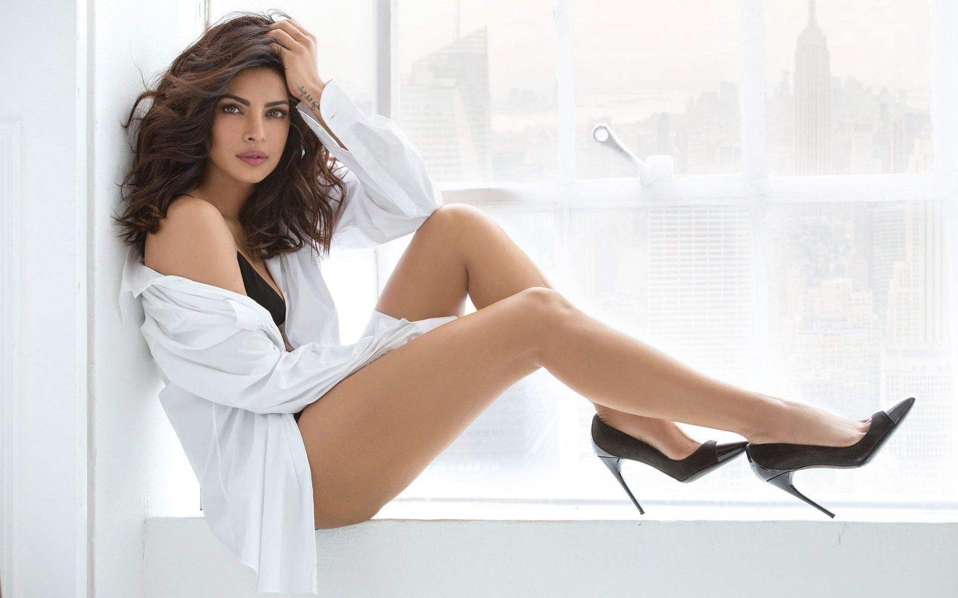 Priyanka Chopra Bikini Pics
